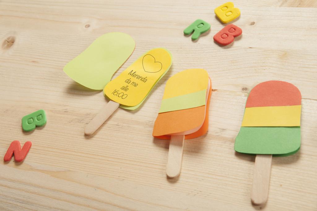 invito di cartoncino a forma di gelato