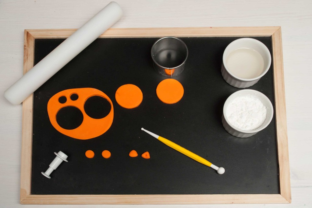 tutorial gufetti: pasta di zucchero arancione