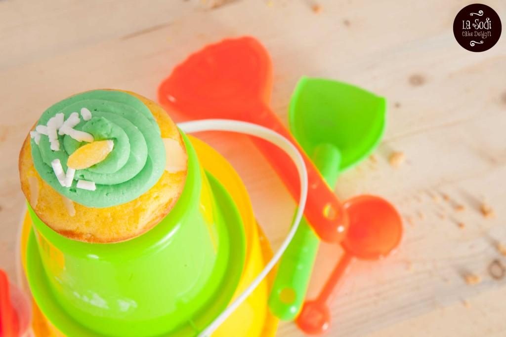 cupcakes alla mandorla con glassa all'arancio