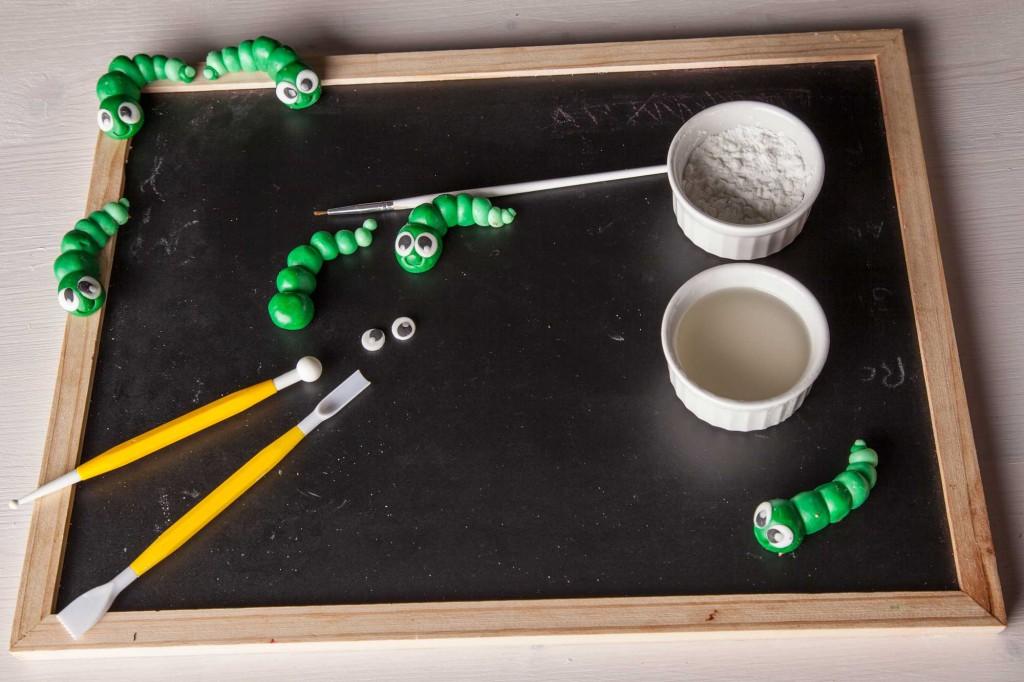 seconda parte tutorial bruco in pasta di zucchero