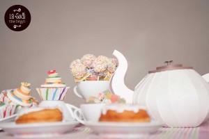 cake pops sulla tavola di carnevale