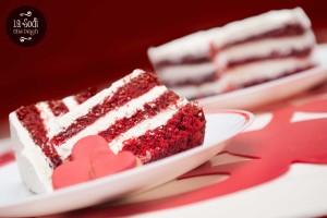 fetta di torta red velvet